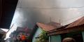 BREAKING NEWS : Kebakaran Landa Pemukiman Padat Penduduk di Kota Tembilahan