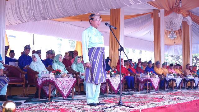 Bupati Wardan Lepas Pawai Taaruf MTQ ke-49 Kabupaten Inhil